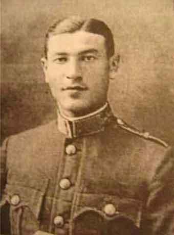 Skolens leder major Szlilágyi (født 11 April, 1905 Matészalka, Ungarn, død 18. juli 1983 New Brunswik, USA)