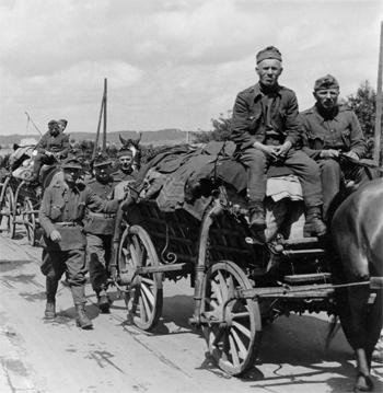 Magyar katonák elhagyják Dániát a németek kapitulációja után. Aabenraa-nál 1945-ben. (Frihedsmuseet)